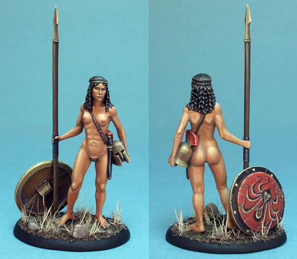 Nude gamer chicks, spartan helmet, wtf